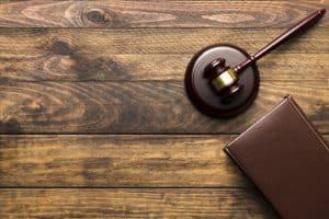 שולחן משרד עורכי דין